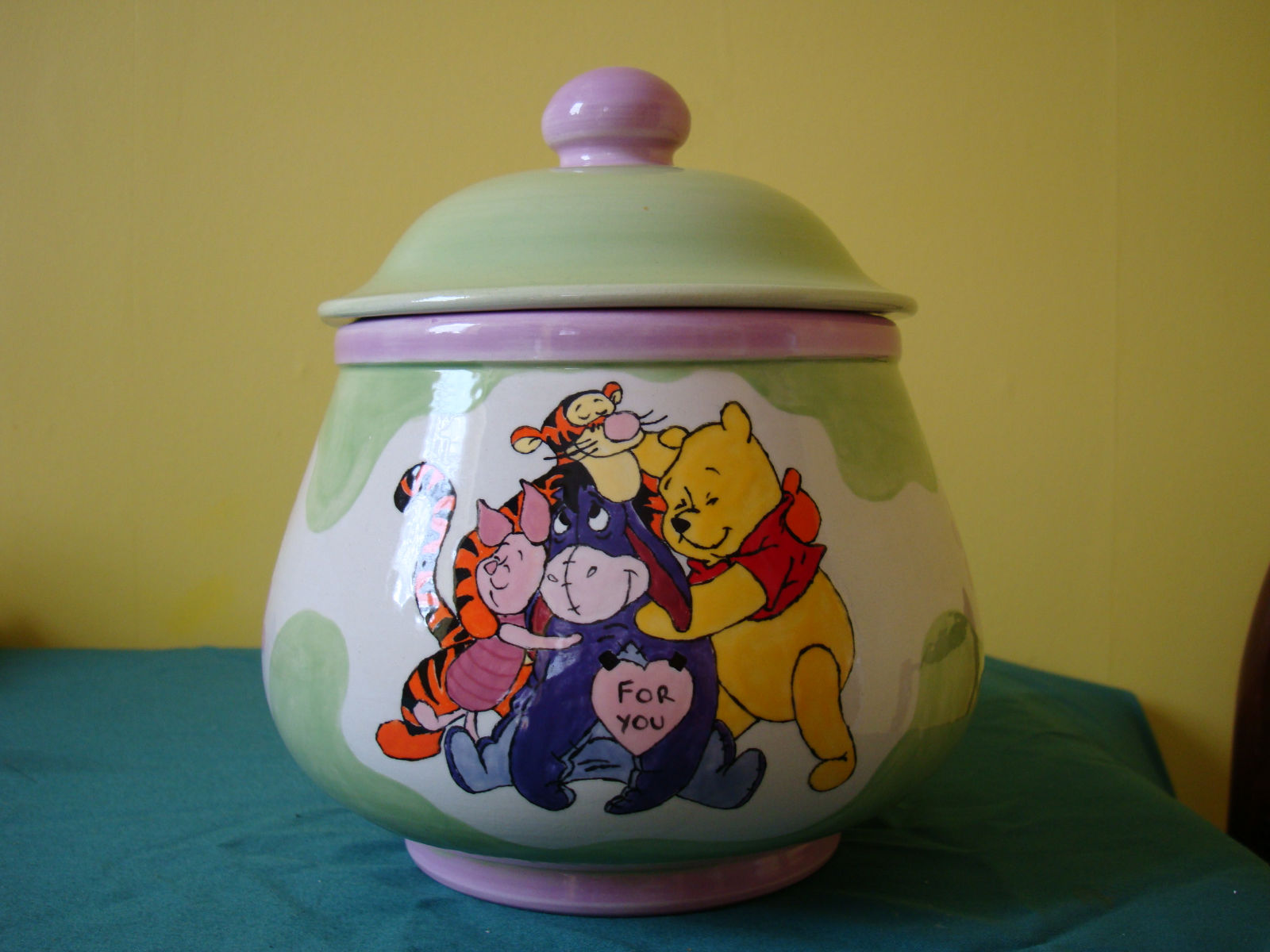 Commission Winnie Cookie Jar